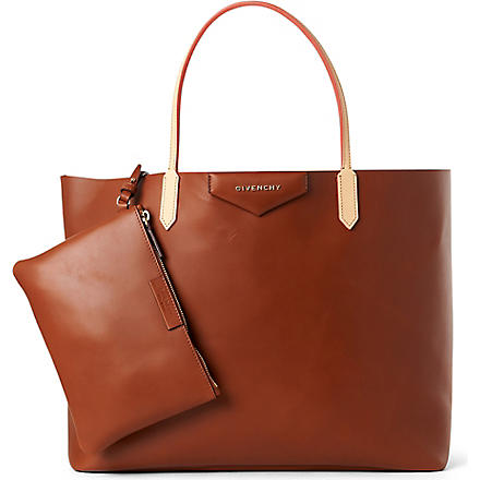 GIVENCHY Antigona large shopper (Camel