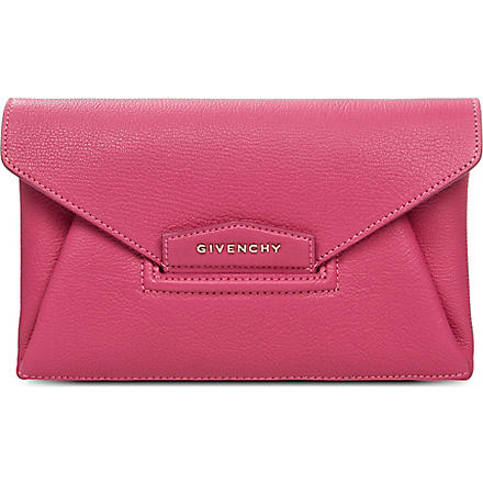 GIVENCHY Antigona envelope clutch bag (Fushia