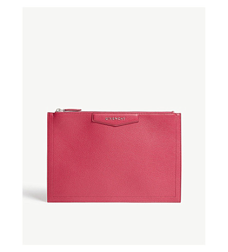 GIVENCHY Antigona grained leather pouch (Fuschia