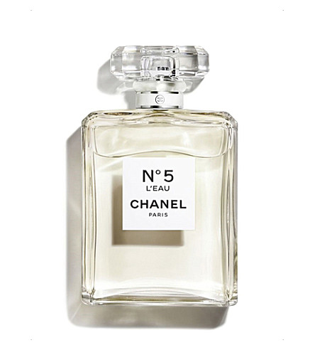 CHANEL <strong>N°5</strong> eau de toilette spray 200ml