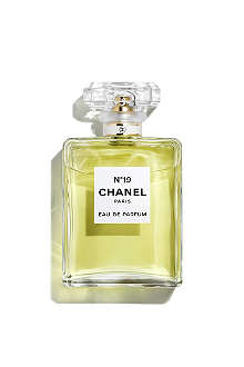 CHANEL Nº19 Eau de Parfum Spray 50ml