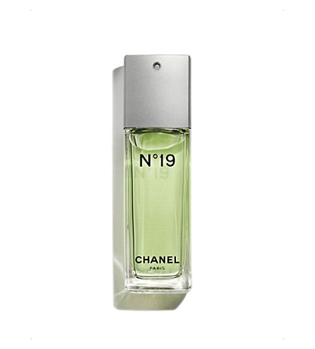 CHANEL <strong>N&ordm;19</strong> Eau de Toilette Spray 100ml