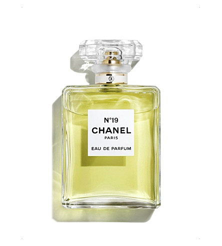 CHANEL <strong>N&ordm;19</strong> Eau de Parfum Spray 100ml