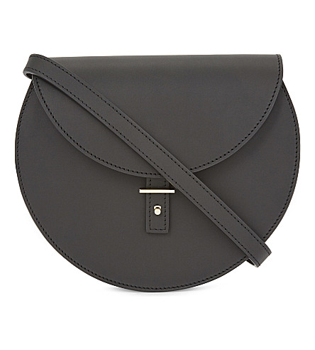PB 0110 AB21 smooth leather saddle bag (Black