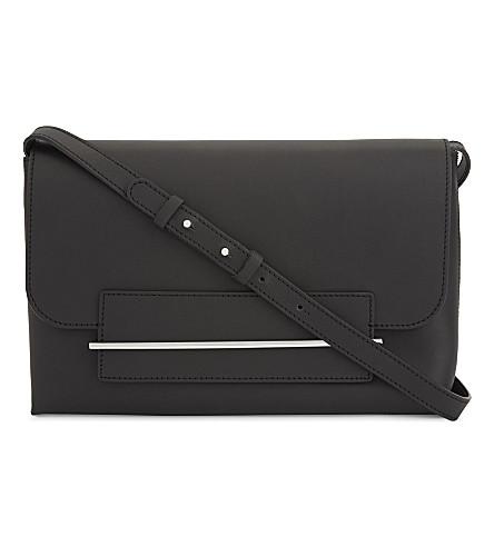 PB 0110 AB51 large smooth leather shoulder bag (Black