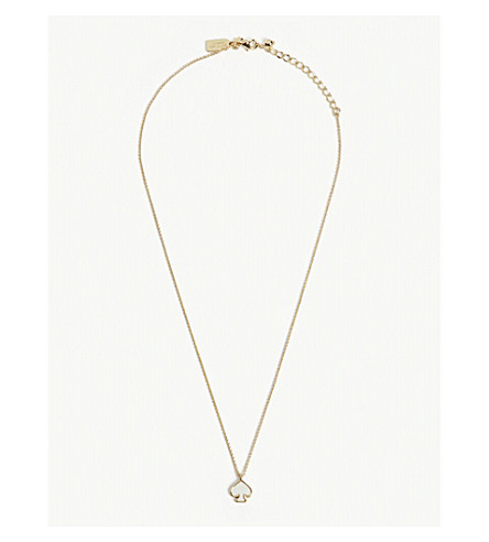 KATE SPADE NEW YORK Signature Spade mini gold-plated pendant (Cream+multi