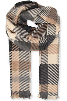 JOHNSTONS Merino wool and cashemere-blend oversized scarf