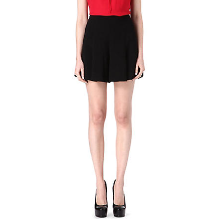L'AGENCE Palazzo pleated shorts (Blk