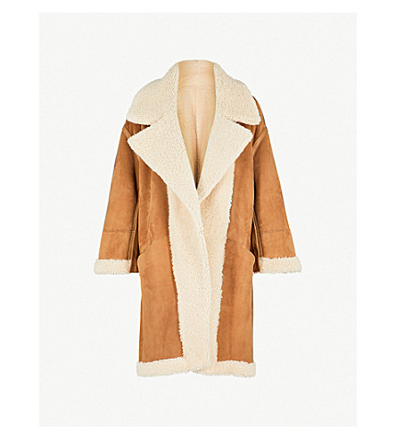 ARJE Reversible shearling and suede coat (White+gold+camel