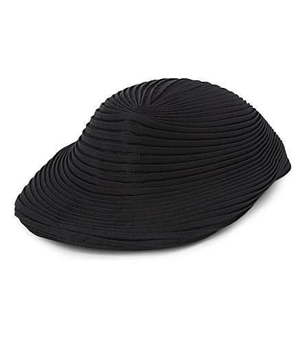 ISSEY MIYAKE Orbit pleated hat (Black
