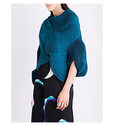 ISSEY MIYAKE Flow-hem pleated bolero jacket (Green