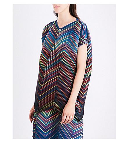 ISSEY MIYAKE Iris pleated top (Blue-hued