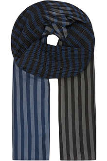 ISSEY MIYAKE Silk checked gathered stole