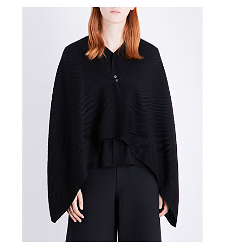 ISSEY MIYAKE Asymmetric pleated cape (Black