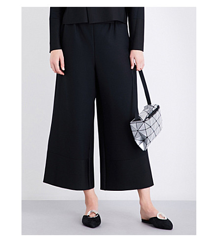ISSEY MIYAKE Cosmic wide cropped high-rise pleated culottes (Black