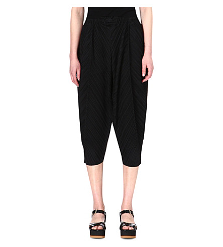 PLEATS PLEASE ISSEY MIYAKE Pleated tapered trousers (Black