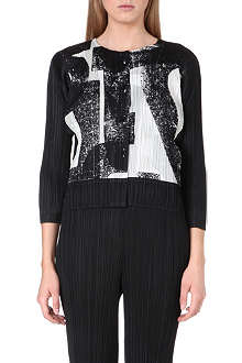 PLEATS PLEASE ISSEY MIYAKE Typo-print pleated jacket