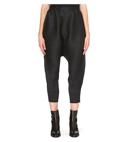 PLEATS PLEASE ISSEY MIYAKE Pleated long harem trousers (Black