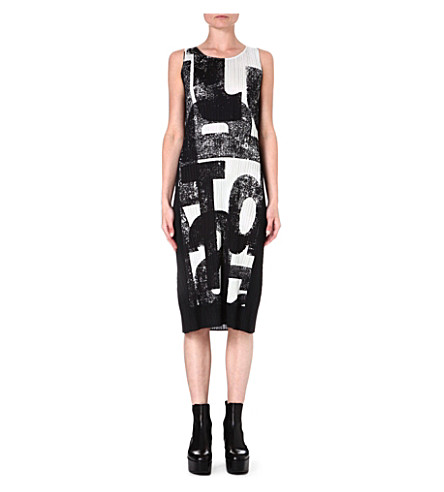 PLEATS PLEASE ISSEY MIYAKE Pleated text-print dress (Black/white