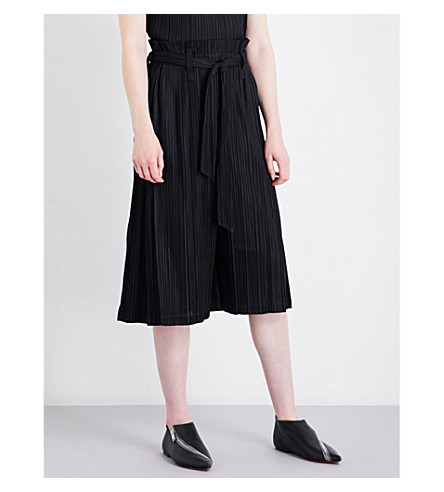 PLEATS PLEASE ISSEY MIYAKE Thicker cropped pleated trousers (Black
