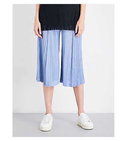 PLEATS PLEASE ISSEY MIYAKE Wide cropped high-rise pleated culottes (Light blue