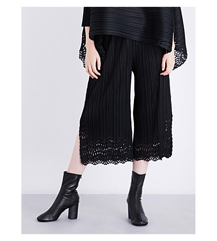 PLEATS PLEASE ISSEY MIYAKE Sheer Lace pleated culottes (Black