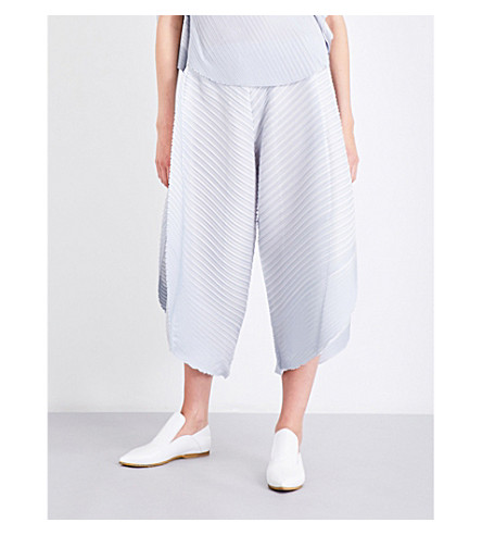 PLEATS PLEASE ISSEY MIYAKE Wide-leg pleated culottes (Light+gray