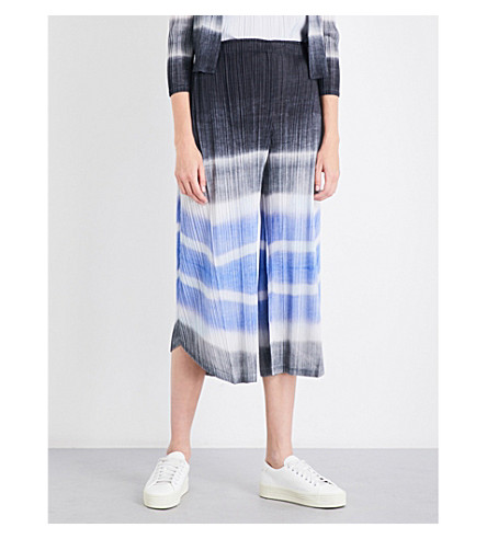 PLEATS PLEASE ISSEY MIYAKE Waterstripe wide high-rise pleated culottes (Black