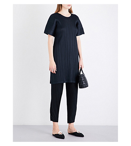 PLEATS PLEASE ISSEY MIYAKE Boat-neck pleated shift dress (Ink+navy