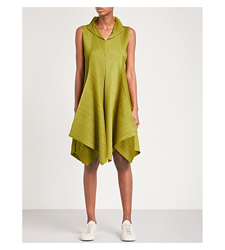 PLEATS PLEASE ISSEY MIYAKE Zigzag pleated dress (Mustard