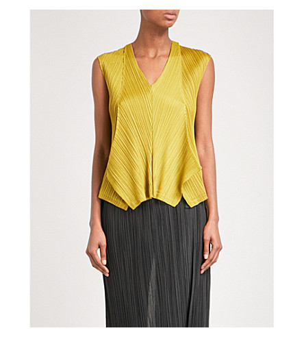PLEATS PLEASE ISSEY MIYAKE Zigzag sleeveless pleated top (Mustard