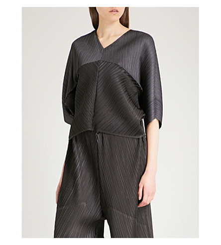 PLEATS PLEASE ISSEY MIYAKE Mirror V-neck pleated top (Charcoal+gray