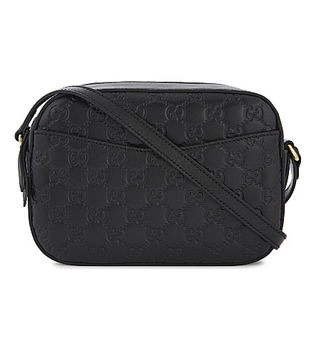 GUCCI Linea embossed leather camera bag (Black