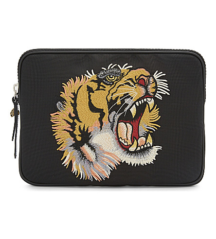 GUCCI Embroidered tiger pouch (Black