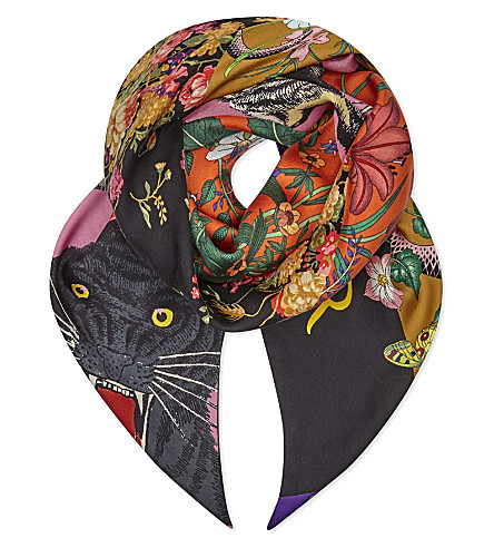 GUCCI Tiger and floral print silk scarf (Roseate