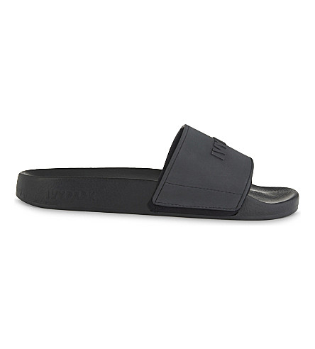 IVY PARK Flat embossed slides (Black
