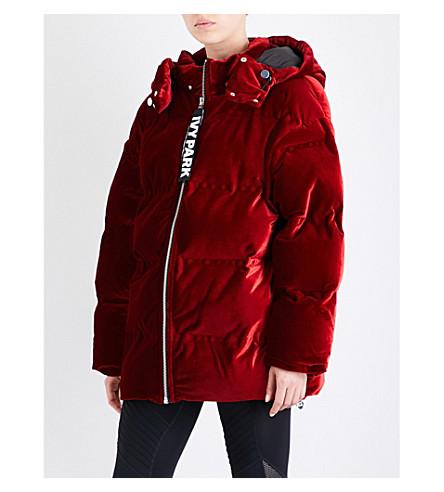 IVY PARK Oversized velvet puffer jacket (Chilli+red