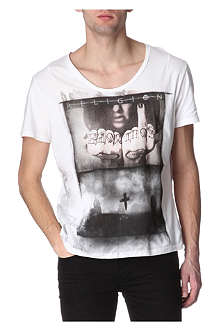 RELIGION Tattoo hands t-shirt