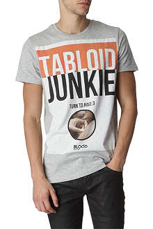 BLOOD BROTHER Tabloid junkie t-shirt