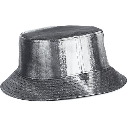 PIGALLE Dégradé bucket hat (Black/white