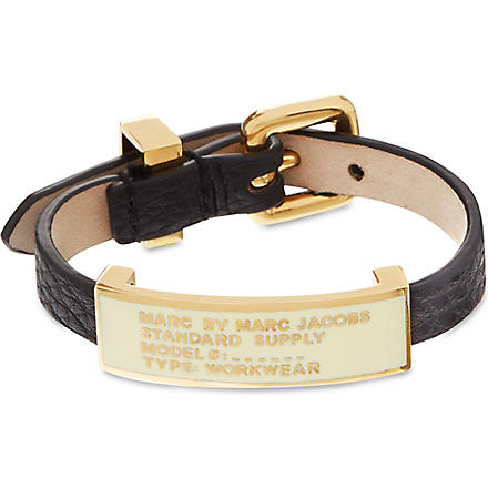 MARC BY MARC JACOBS Standard Supply leather cuff (Black.cream (oro)