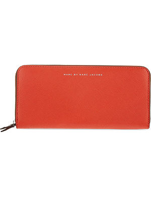 MARC BY MARC JACOBS Leather Sophisticato purse