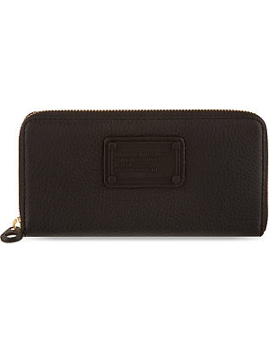 MARC BY MARC JACOBS Pebbled leather purse