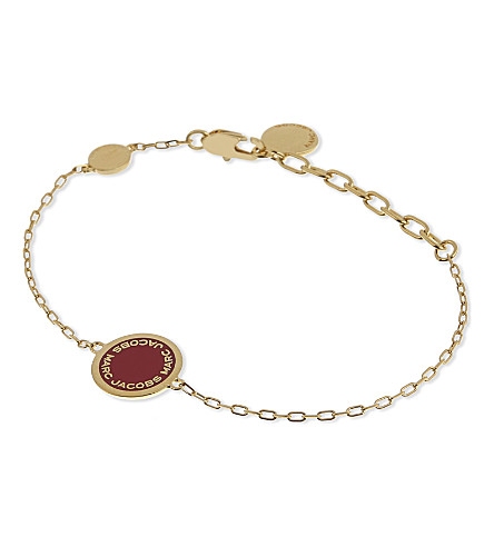 MARC JACOBS Enamel logo disc bracelet (Bisou+red