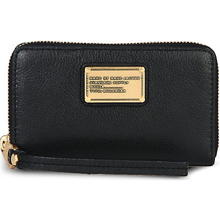 MARC BY MARC JACOBS Classic Q Wingman wallet (Black