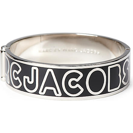 MARC BY MARC JACOBS Graphic Logo bangle (Black