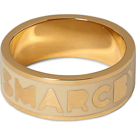 MARC BY MARC JACOBS Dreamy logo ring (Cream/gold