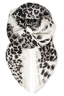 MARC BY MARC JACOBS Jaguar print scarf