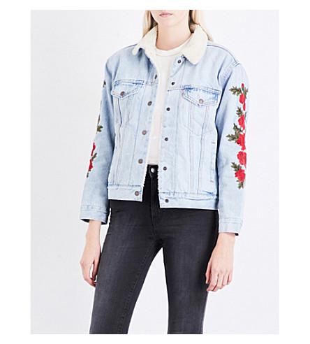 LEVI'S Ex-Boyfriend floral-embroidered denim sherpa trucker jacket (Indigo wildcat