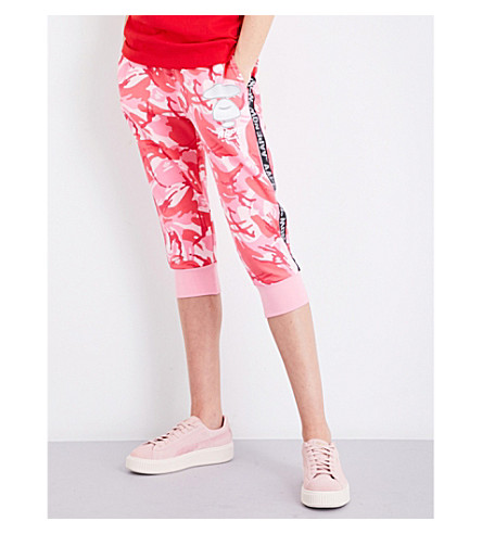 AAPE Camouflage-print cropped cotton-jersey jogging bottoms (Pink+camo